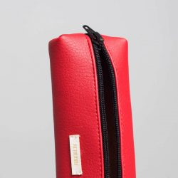 Vegan leather pencil case in red (detail)