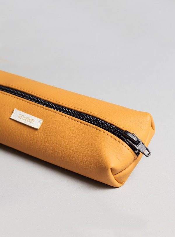 Pencil case (honey) in vegan leather, made in Portugal by wetheknot.