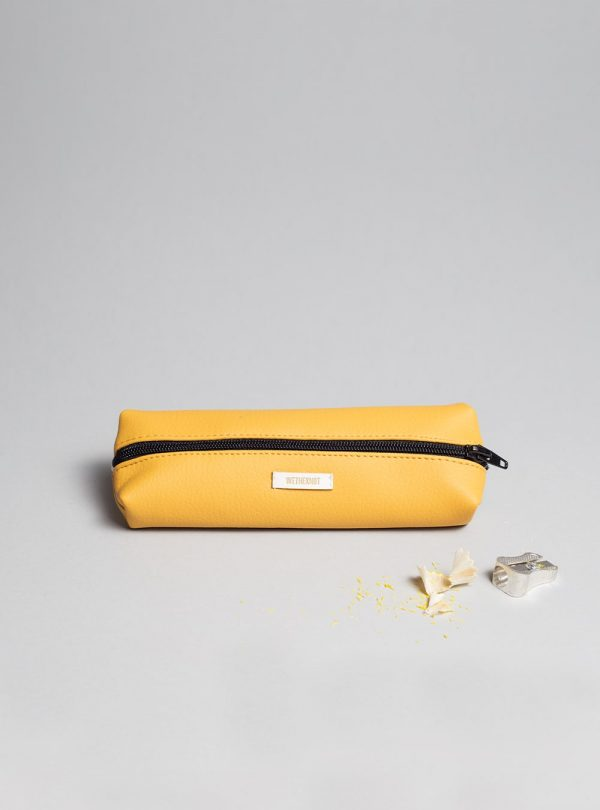 Pencil case (mustard) in vegan leather, made in Portugal by wetheknot.