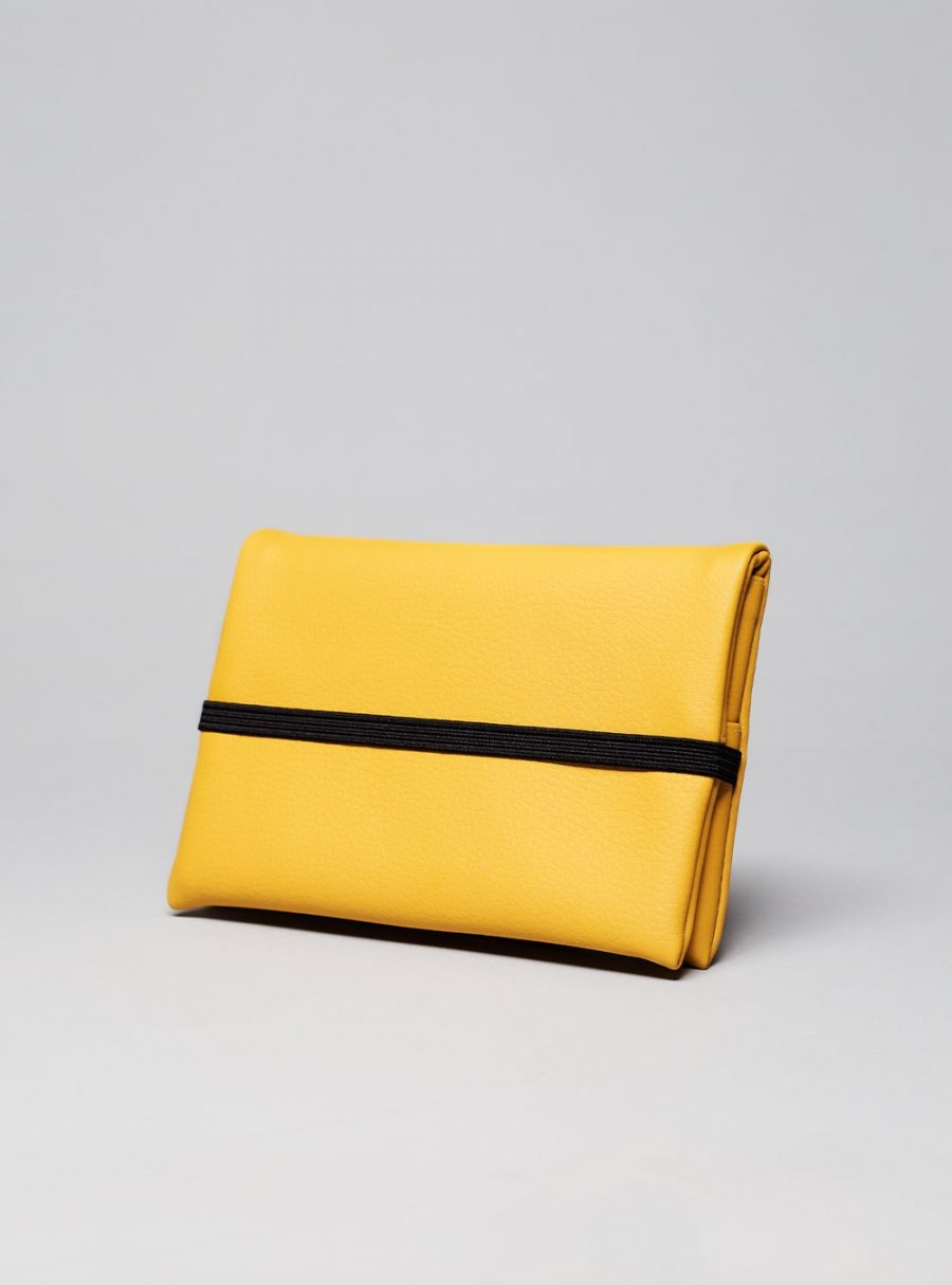 Pouch (mustard) in vegan leather, made in Portugal by wetheknot.