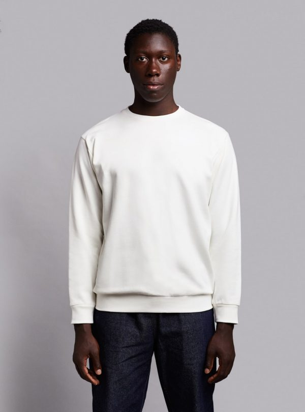 Essential sweatshirt (warm white) in organic cotton, made in Portugal by wetheknot.