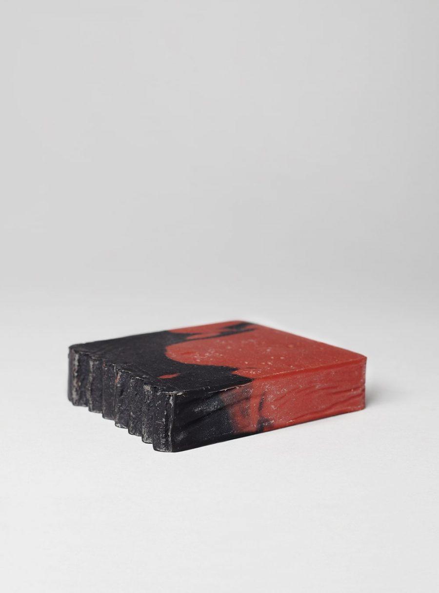 Oak, gumrock rose & red wine vegan soap, made in portugal by wetheknot