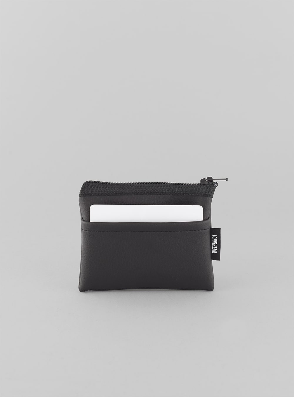 Card holder (black) in vegan leather, made in Portugal by wetheknot.