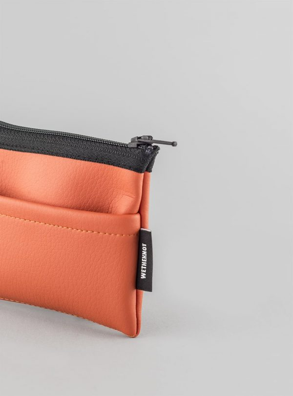 Card holder (coral) in vegan leather, made in Portugal by wetheknot.