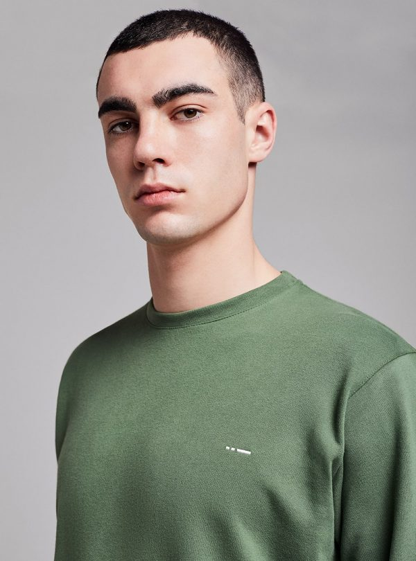 Essential sweatshirt (green) in organic cotton, made in Portugal by wetheknot.